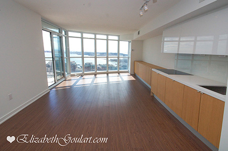 Toronto harbourfront condos for sale rent elizabeth for 21 iceboat terrace for sale