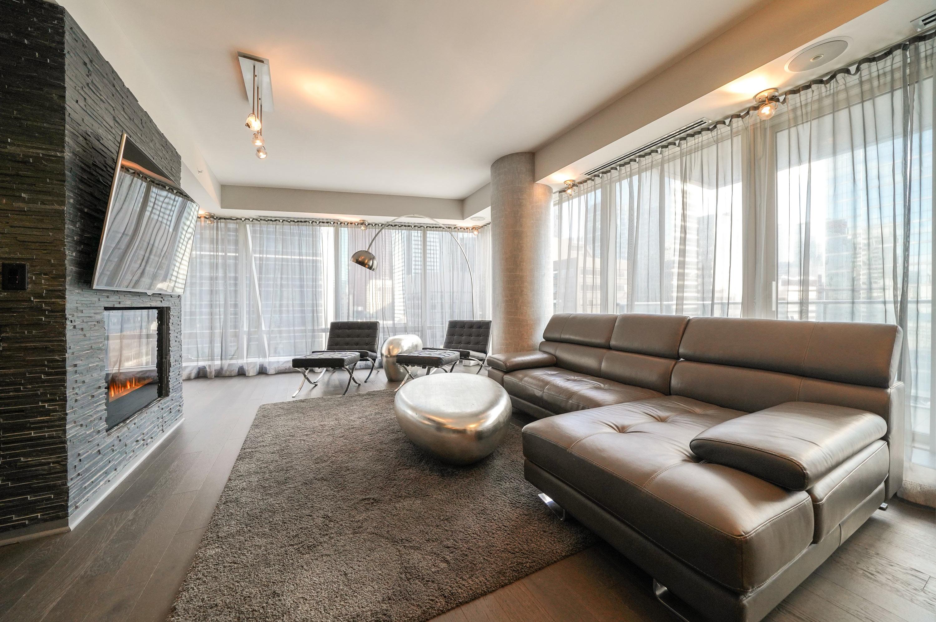 180 University Avenue Shangri La Residences Toronto For