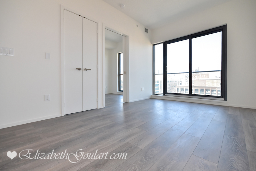Toronto harbourfront condos for sale rent elizabeth for Floor to ceiling windows for sale